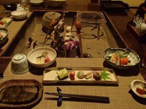 旅の原点「囲炉裏端での食事」